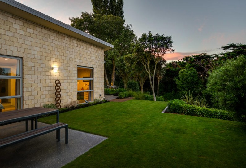 614 Halswell Road twilight 11